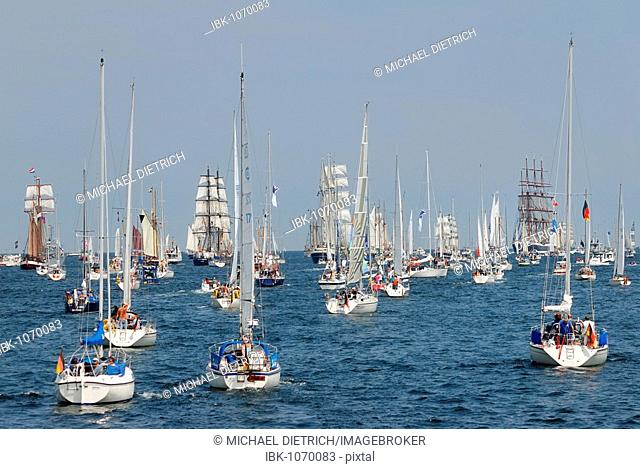 Sailing ships and traditional sailers leaving the harbour at the windjammer parade of the Kiel week 2006, Kiel Fjord, Schleswig-Holstein, Germany, Europe
