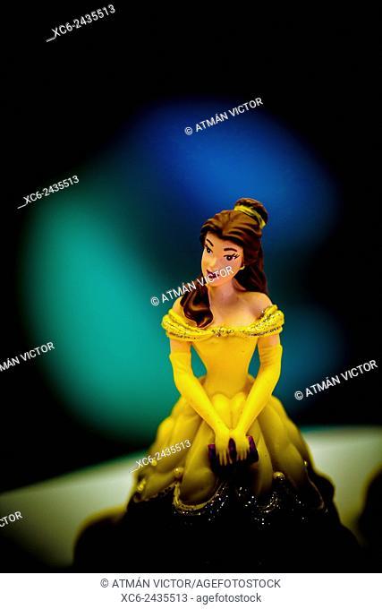 fairy lady figure for pie decoration