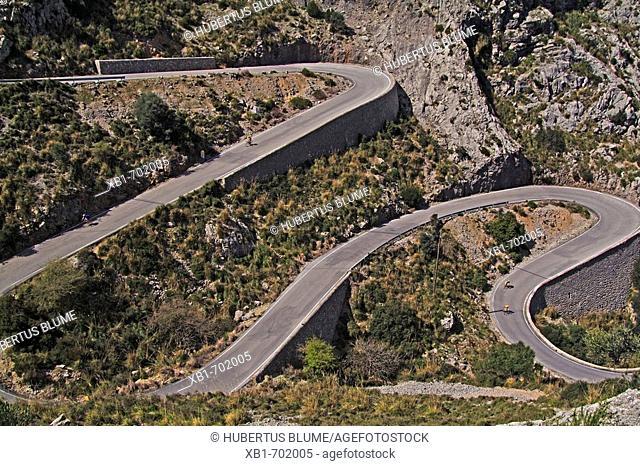 Street 214-1 in the Tramuntana mountains on to the way to Cala de sa Calobra, fovourite route for bikers, Mallorca, Baleares, Spain