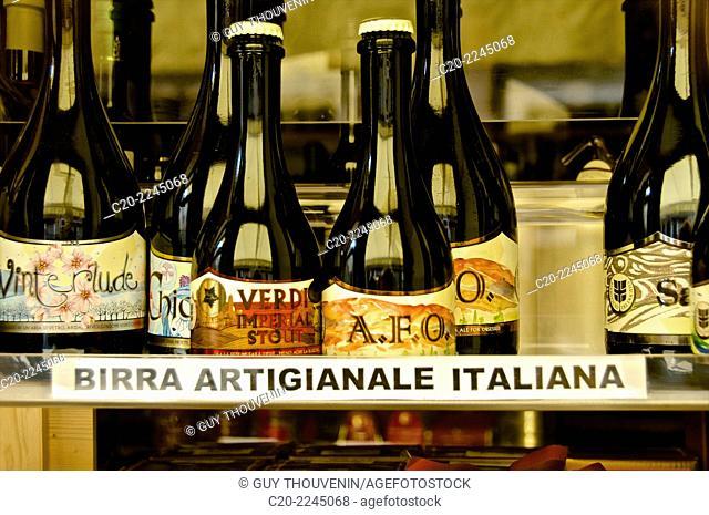Local italian Beer, shop window, Venice, Italy