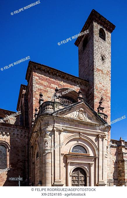 Torre del Gallo (Rooster Tower) and Puerta del Mercado (Market Gate), Cathedral of Sigüenza, province of Guadalajara, Spain