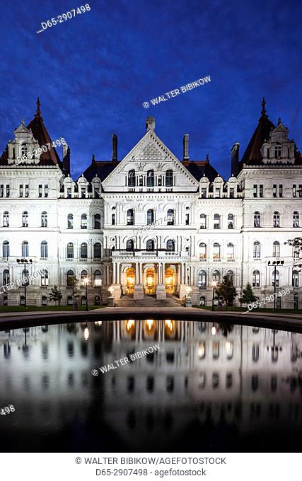 USA, New York, Hudson Valley, Albany, New York State Capitol Building, dawn