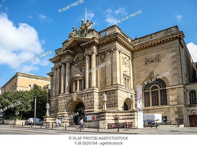 Bristol Museum and Art Gallery, Somerset, England, UK