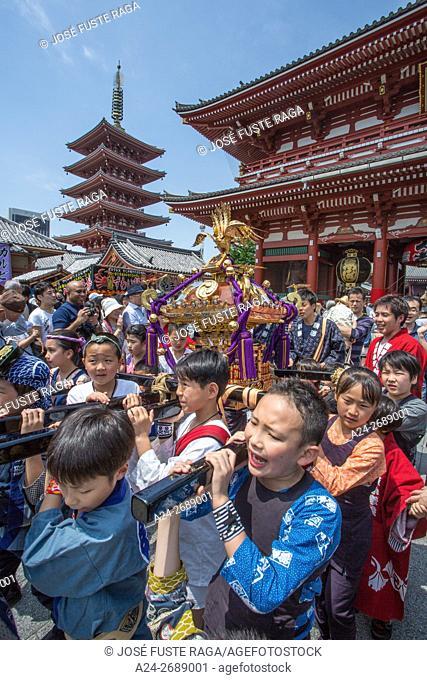 Japan, Tokyo City, Asakusa District, Sanja Matsuri Festival