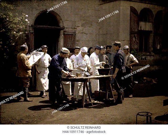 War, Europe, world war I, 1917, Europe, world war, color photo, Autochrome, F. Cuville, western front, castle, Vauxbuin, hospital, military hospital, cook, food