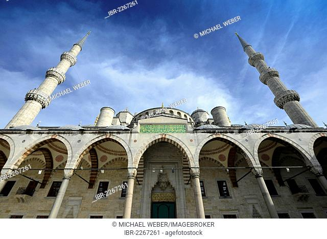 Sultan Ahmed Mosque or Blue Mosque, Sultanahmet, historic district, a UNESCO World Heritage Site, Istanbul, Turkey, Europe