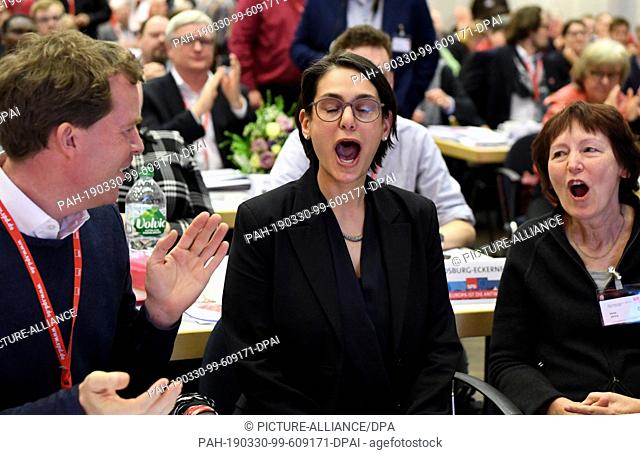 30 March 2019, Schleswig-Holstein, Norderstedt: Serpil Midyatli (M), newly elected SPD state chairman of Schleswig-Holstein, reacts to the election result