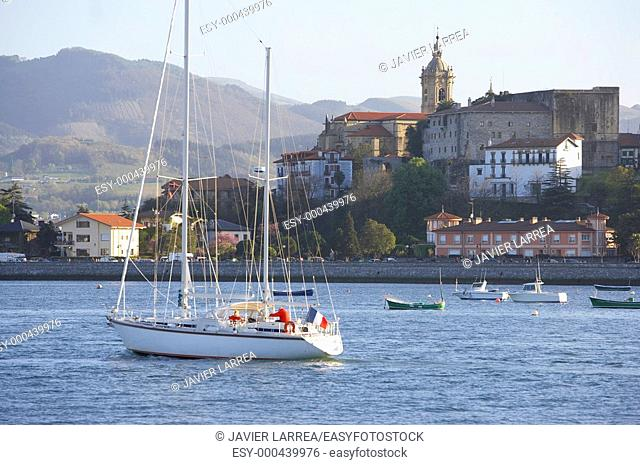 Desembocadura del Rio Bidasoa, Bahia de Txingudi, Hondarribia, Gipuzkoa, Euskadi
