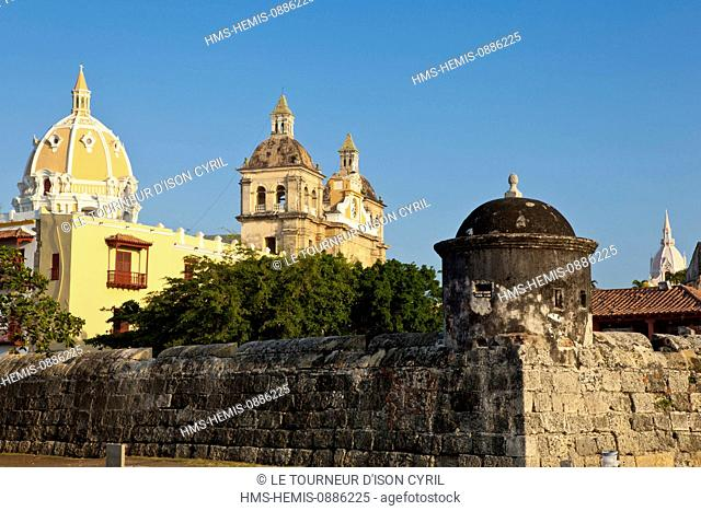Colombia, Bolivar Department, Cartagena, listed as World Heritage by UNESCO, view of the san Pedro Claver Church behind the ramparts of the old city