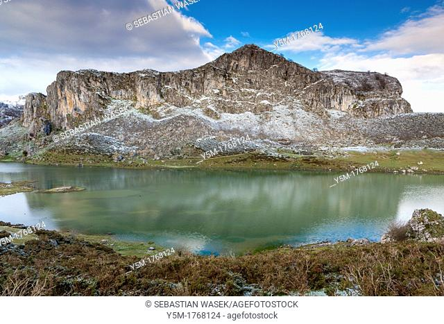 Lake Ercina with Picu'l Mosquital in the backgorund, Covadonga, Picos de Europa National Park, Asturias, Spain