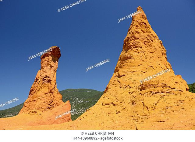 Europe, Roussillon, Vaucluse, Provence, France, ochre, rock, red, nature, hoodoo, rock formation, blue sky