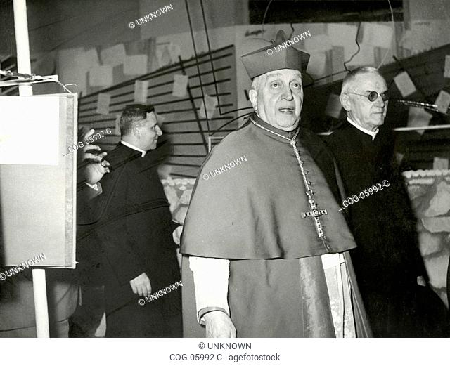 A cardinal visit an exhibition, Italy