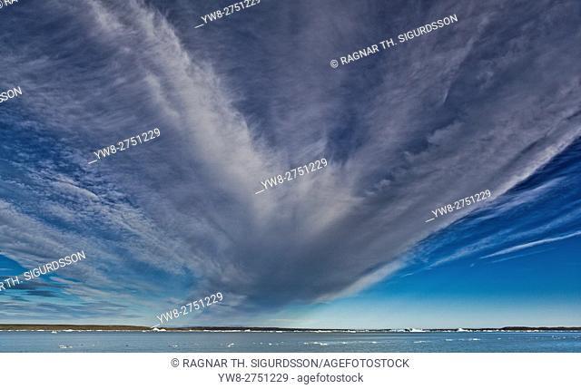 Clouds and icebergs, Jokulsarlon Glacial Lagoon, Breidamerkurjokull Glacier, Vatnajokull Ice Cap, Iceland