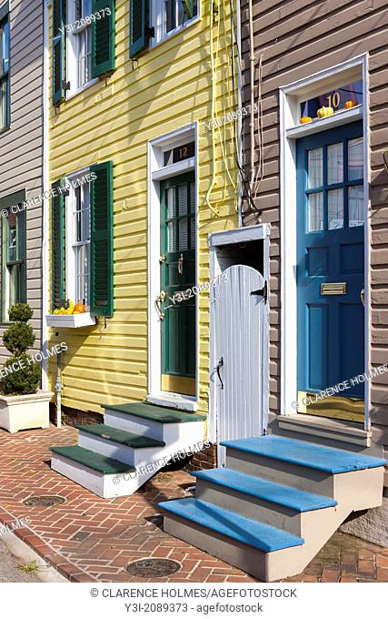 Beautifully painted and colorful facades and entryways decorate historic homes on the narrow streets of Annapolis, Maryland