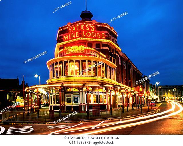 yates s wine lodge blackpool night england uk illuminations lights city bright cars trails