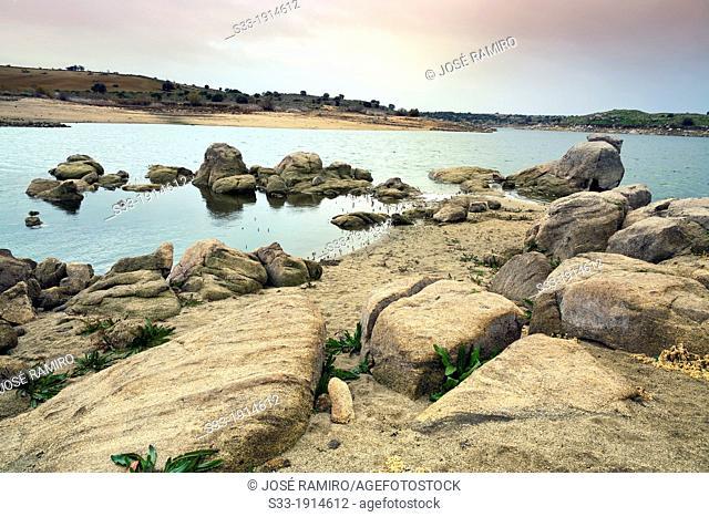 Guajaraz reservoir in Argés  Toledo  Castilla la Mancha  Spain