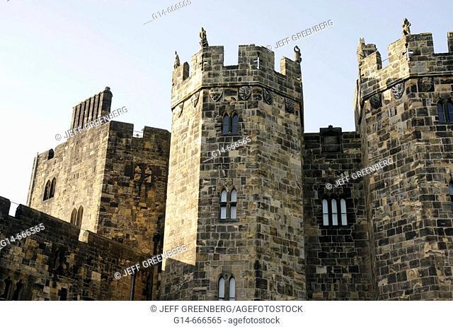 UK. England, Northumberland, Alnwick, Alnwick Castle, 11th century, Norman architecture, Harry Potter movie site