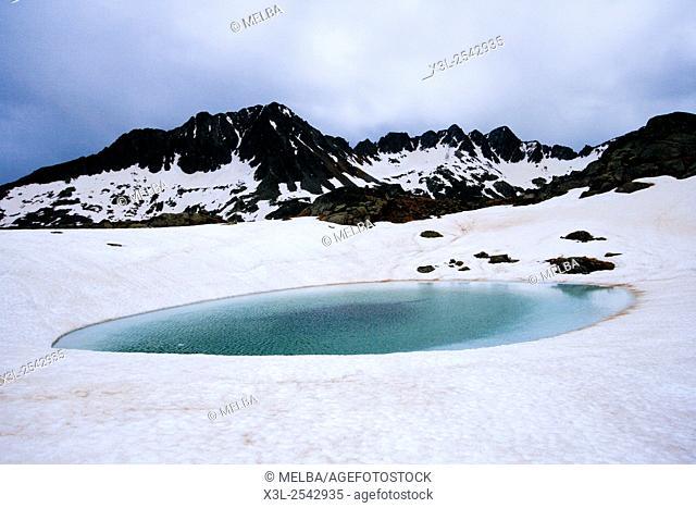Circ de Colomers. Aiguestortes National Park. Pyrenees, Spain