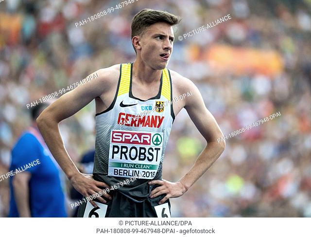 08.08.2018, Berlin: Track and Field: European Championships in the Olympic Stadium: 1500m, preliminary round, Men: Marius Probst from Germany puts his hands on...
