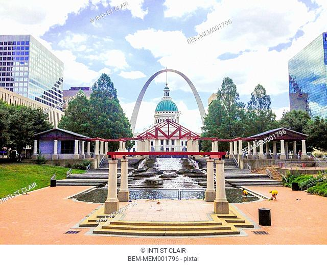 Capitol building and fountain in Saint Louis, Missouri, United States
