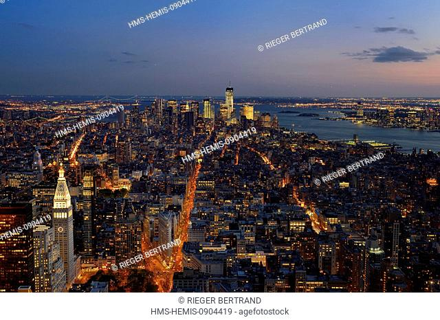 United States, New York City, Manhattan, view from the Empire State Building over Southern Manhattan, the One World Trade Center (1WTC) and the Hudson River