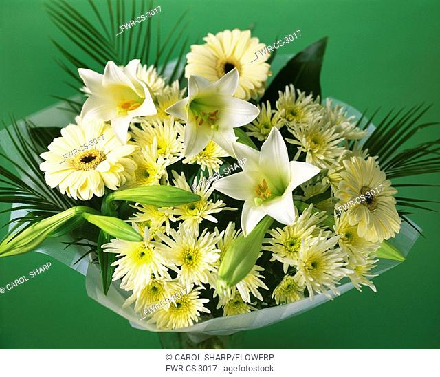 Gerbera, Mixed flowers in a wrap