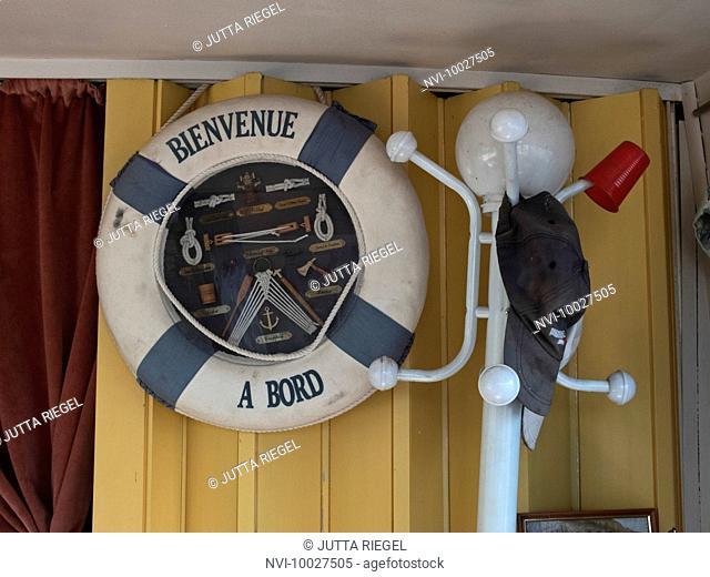 Houseboat, Pont-sur-Yonne, Burgundy Canal, Burgundy, France