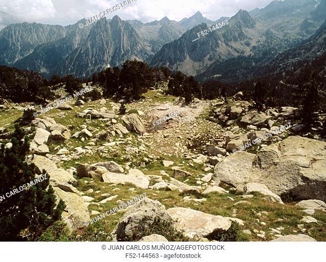 Agulles d'Amitges. Parc Nacional d'Aigües Tortes. Lleida province. Catalonia. Spain