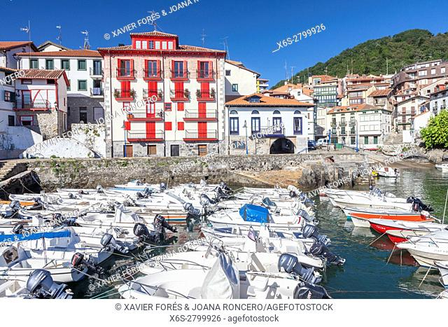 Mundaka village, Vizcaya province, The Basque Country, Spain