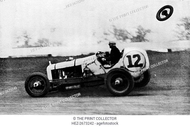 'American Speedway Racing - Jack Ericson, turning on three wheels, 1937. Artist: Unknown