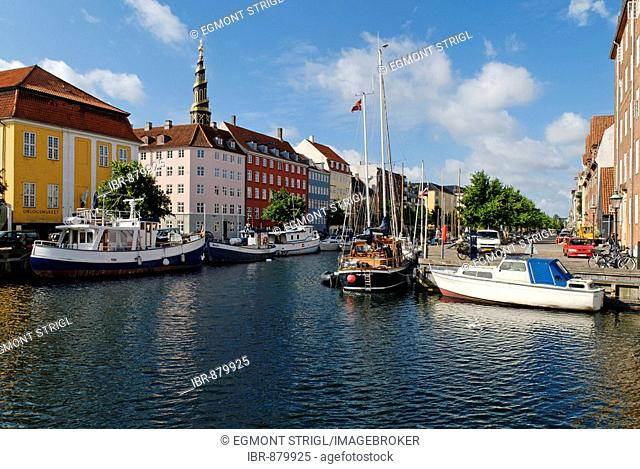 Boats on the Christianshavn Canal, Copenhagen, Denmark, Scandinavia, Europe