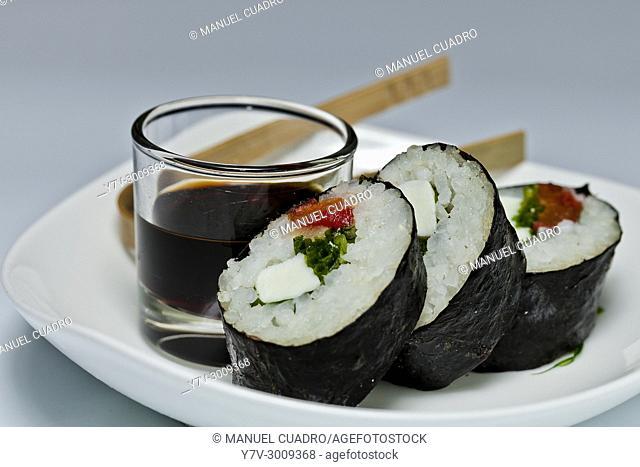 Sushi de tomates asados mozarella y albacha
