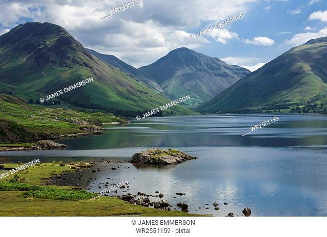 Great Gable, and Yewbarrow, Lake Wastwater, Wasdale, Lake District National Park, Cumbria, England, United Kingdom, Europe