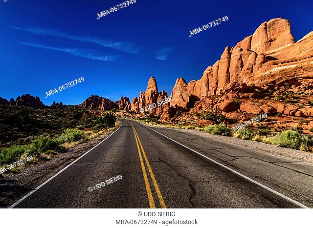 The USA, Utah, Grand county, Moab, Arches National Park, rock formations in the Devils Garden Road