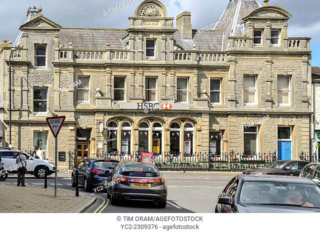 The HSBC bank at Leyburn in the Yorkshire Dales in Yorkshire , England , Britain , Uk