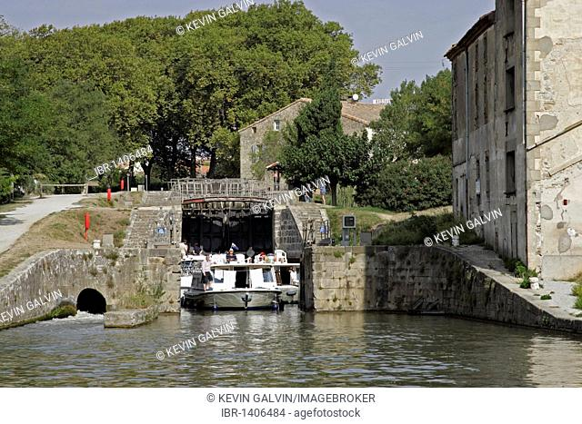 Canal, boats, lock, Canal du Midi, Trebes, Carcassonne, Aude, France, Europe
