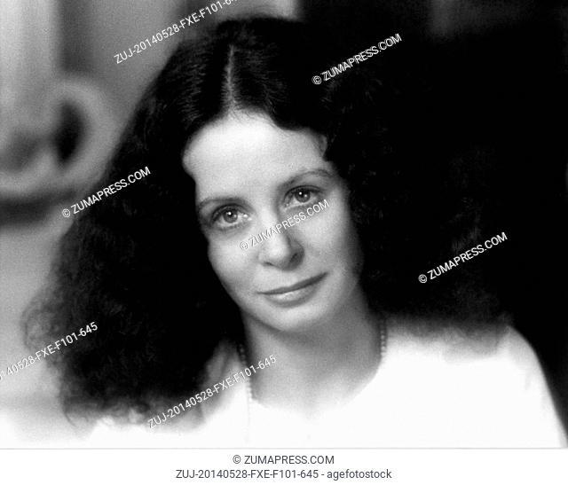 May 28, 2014 - Hollywood, USA - THE BIG SLEEP (1978).SARAH MILES, MICHAEL WINNER (DIR).BSLP 002. (Credit Image: © Entertainment Pictures/ZUMAPRESS