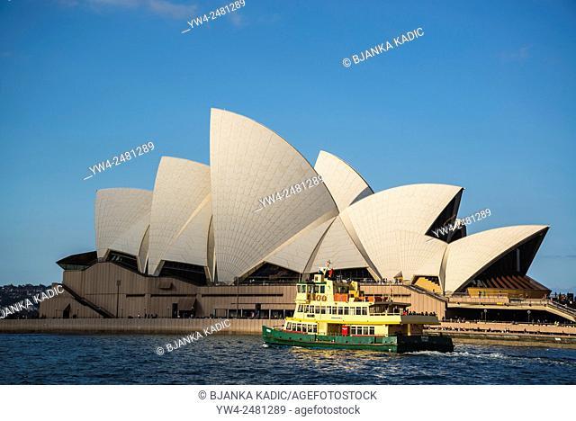 Sydney Opera House, Ferry boat passing, Sydney, Australia