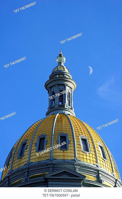 USA, Colorado, Denver, Half moon over dome of Capitol State building