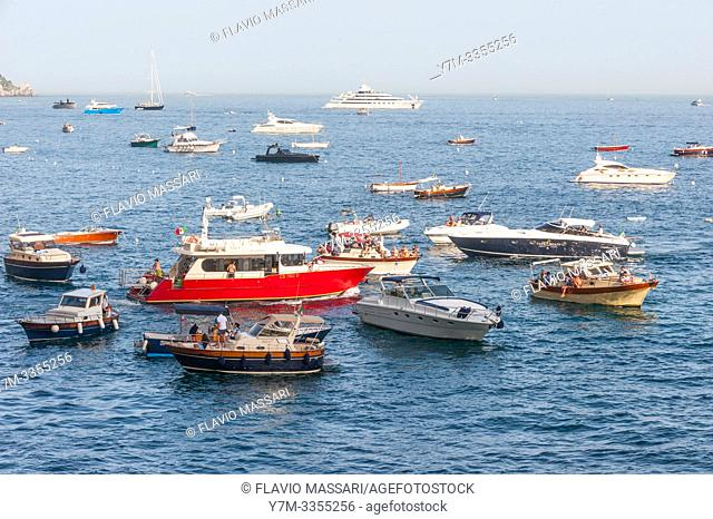 Amalfi Coast: Positano (Salerno),: crowd of moored boats