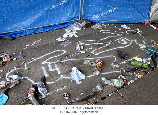 Love Parade 2010, spray chalk outlines of two people killed in a stampede, Duisburg, Ruhr Area, North Rhine-Westphalia, Germany, Europe