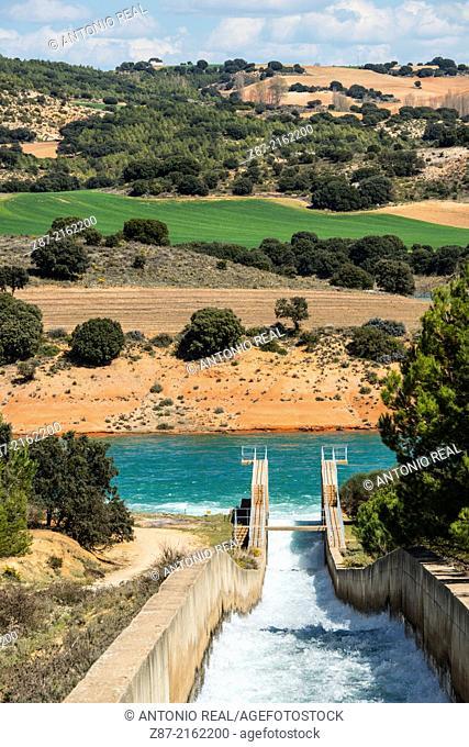 Tajo-Segura water diversion, Alarcón reservoir, Cuenca province, Castilla-La Mancha, Spain