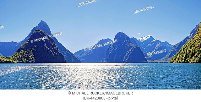 Milford Sound, Mitre Peak, Mount Pembroke with snow, Fiordland National Park, Te Anau, South Island, New Zealand