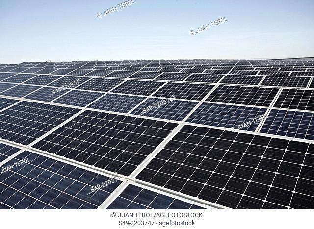 Solar-tracker power generating system