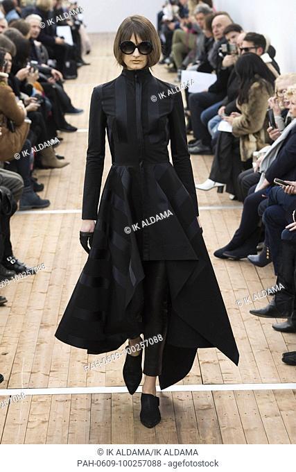 GUY LAROCHE 'Äãrunway show during Paris Fashion Week, Pret-a-Porter Autumn Winter 2018 - 2019 collection - Paris, France 28/02/2018. | usage worldwide