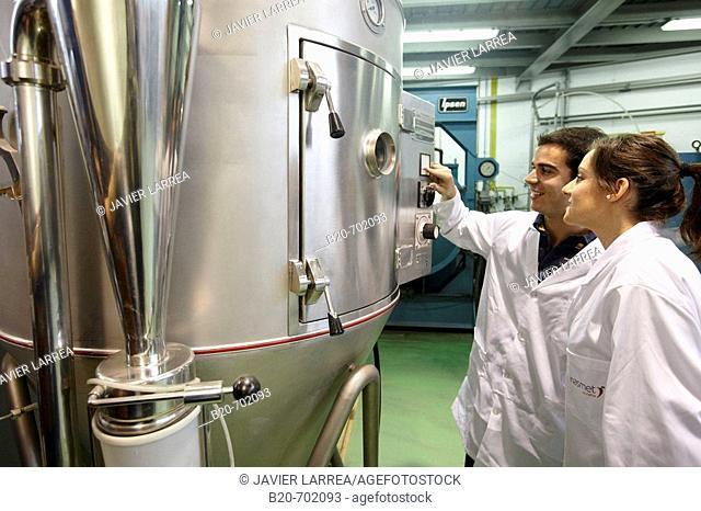 Chute, Particle technology, Aerospace Unit. Fundación Inasmet-Tecnalia, Centro de Investigación, Parque Tecnologico de San Sebastian, Donostia, Gipuzkoa