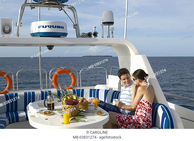 Yacht, sundeck, couple, falls in love, Breakfasts,   Series, ship, deck, love couple, breakfast, gaze contact, cheerfully, happily, love, relaxation