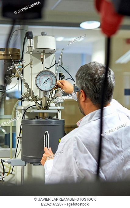 Reactor HP / PT. Inorganic laboratory. Energy and Environment Division. Tecnalia Research and Innovation. Donostia. San Sebastian. Gipuzkoa