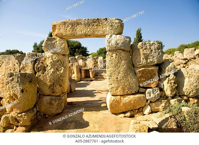 Binaparratxet Petit. Archeologic site from about 9th century B. C. Mahon airport. Situated at the south departure point of the runway. Menorca