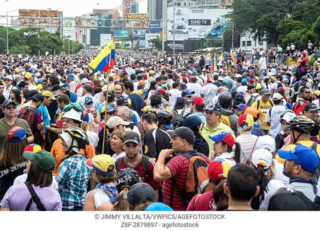 Thousands of opponents in the march of May 31, 2017. The Bureau of Democratic Unity (MUD) mobilizes protesters on Wednesday